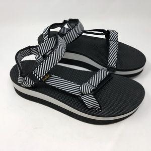 Neva Black White Stripe Flatform Universal Sandal